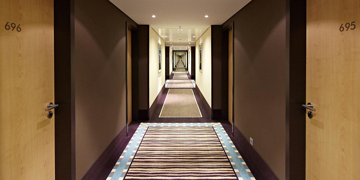 flur korridor. Black Bedroom Furniture Sets. Home Design Ideas